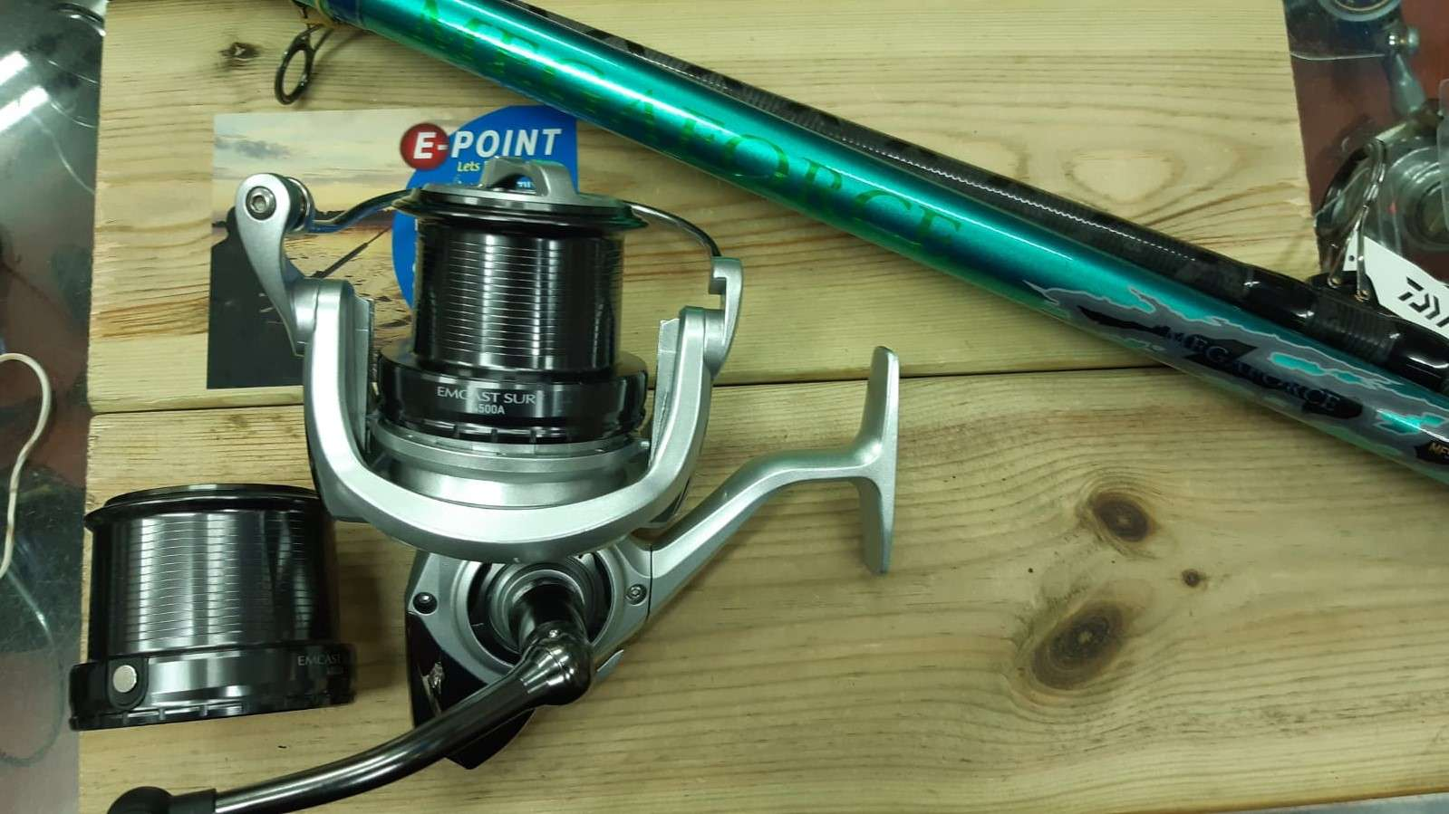 סט דאיווה לסרף EMCAST SURF 4500 DAIWA Megaforce Surf 423 H